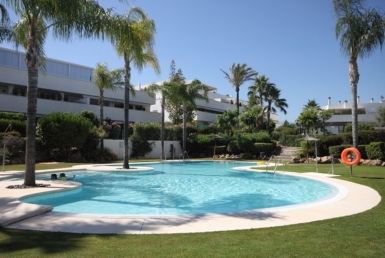 Apartment for sale in  Nueva Andalucía