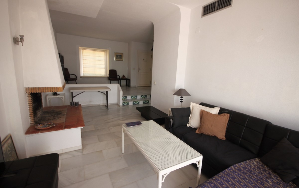 Townhouse for sale in  Nueva Andalucía